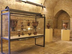 Veduta generale della mostra su Agamennone e gli altri.JPG