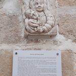 Il Centro storico di Gioia si impreziosisce di nuovi bassorilievi  di Mario Vacca